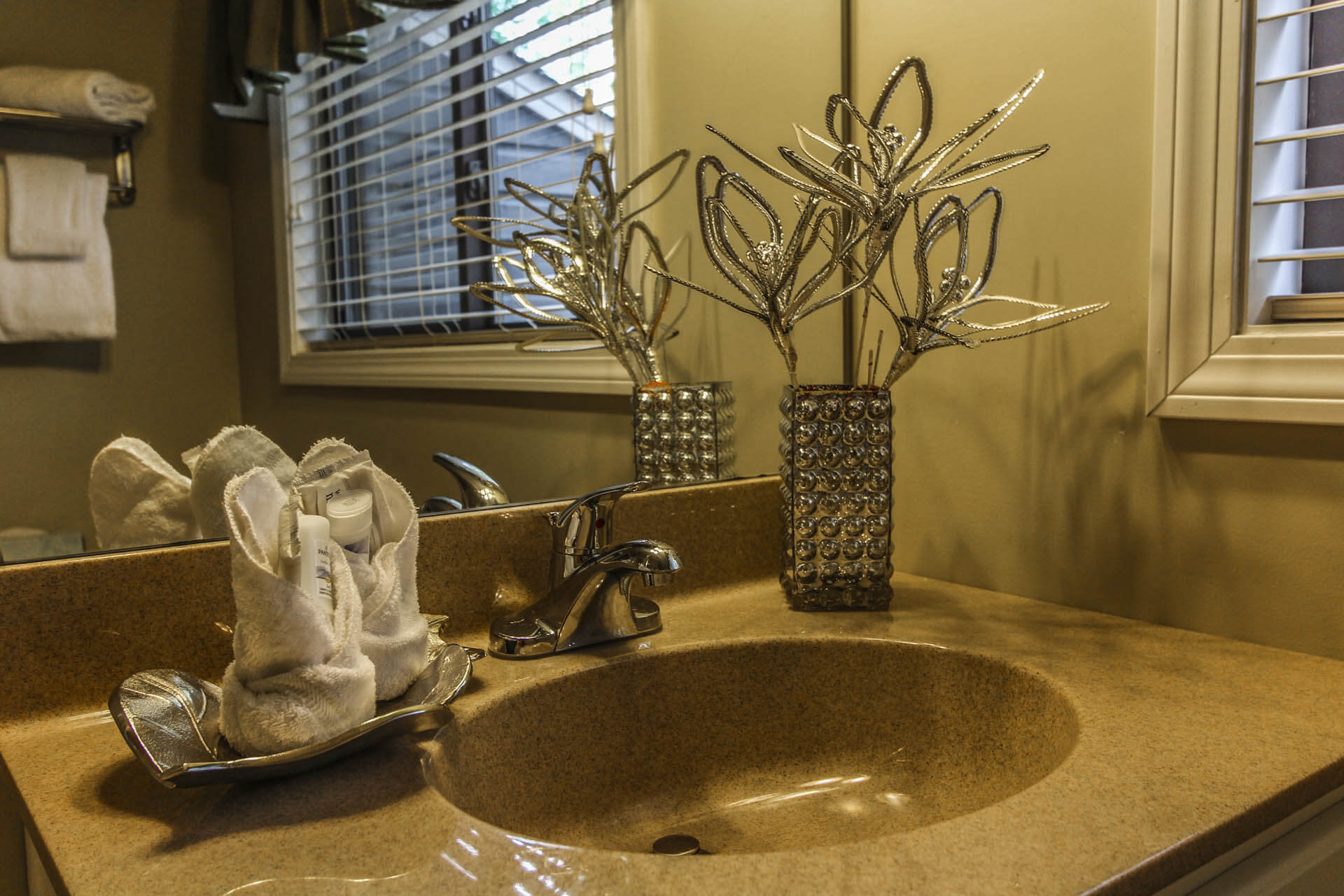 Tanglewood Resort Bathroom