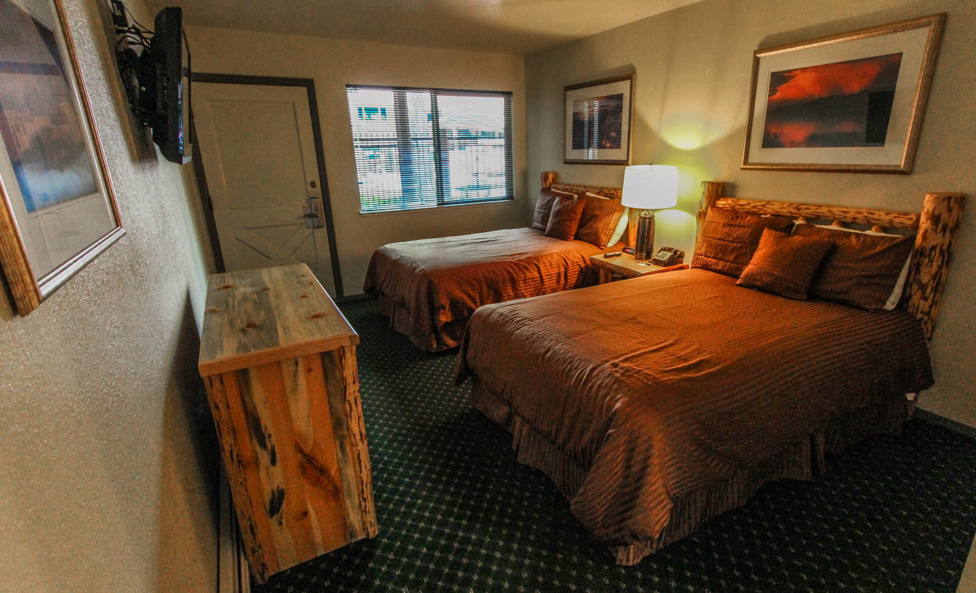The Lodge At Lake Tahoe Bedroom