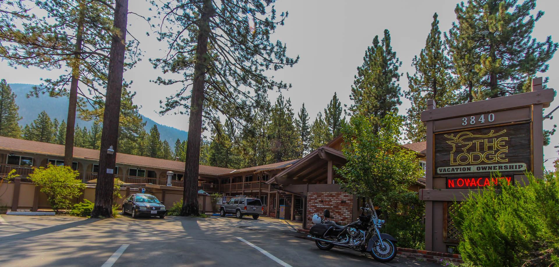 The Lodge At Lake Tahoe Bedroom