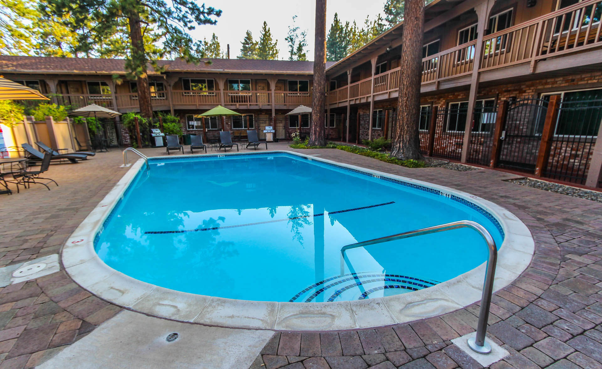 The Lodge At Lake Tahoe Jacuzzi