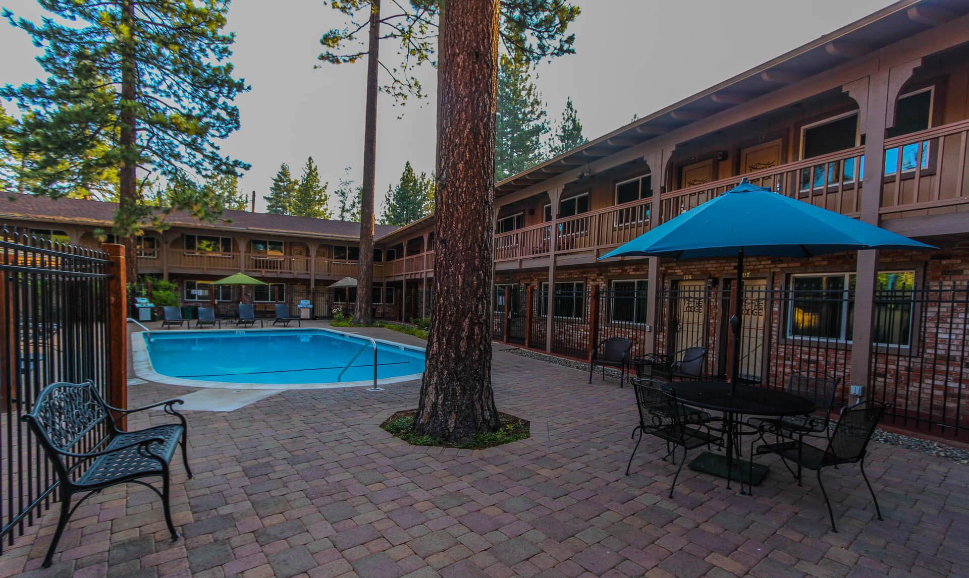 The Lodge At Lake Tahoe Pool