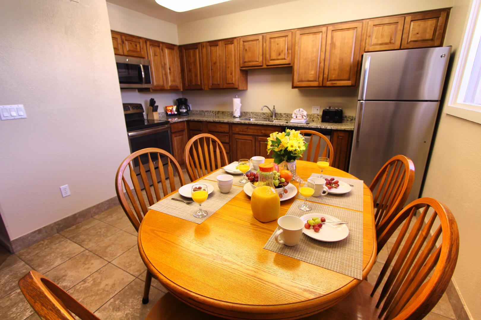Villas At Southgate Dining Room