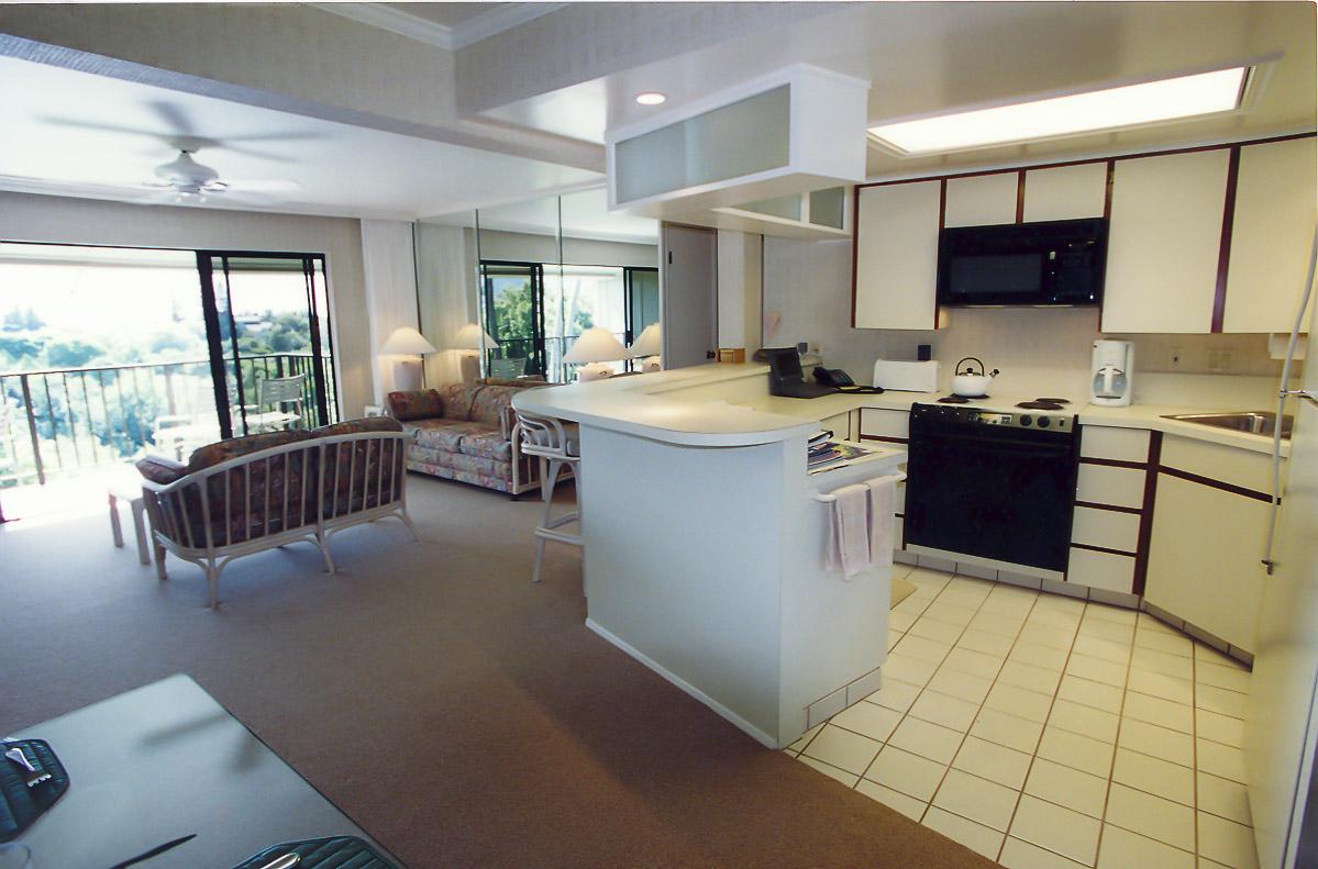 A spacious kitchen at VRI's Alii Kai Resort in Hawaii