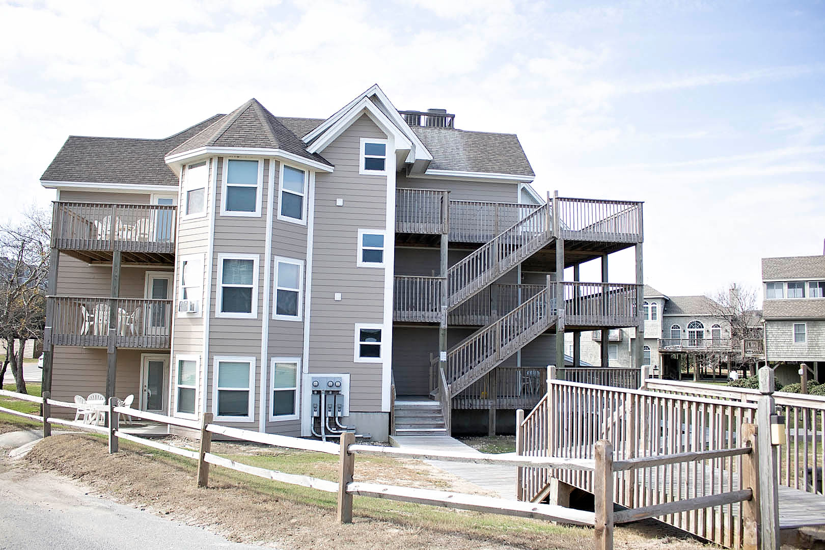 An airy patio deck at VRI's Barrier Island Station in North Carolina.