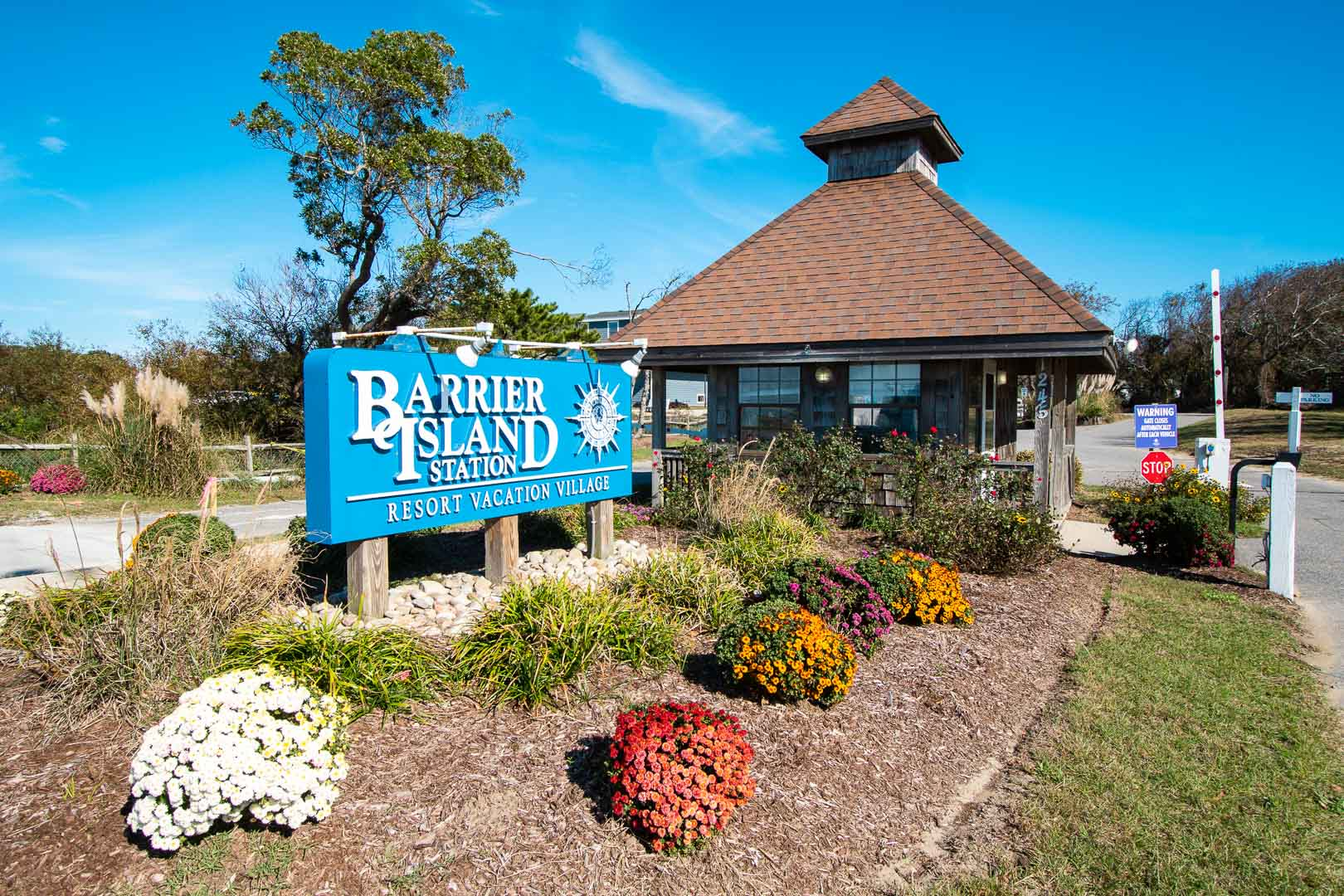 A welcoming resort entrance at VRI's Barrier Island Station in North Carolina.