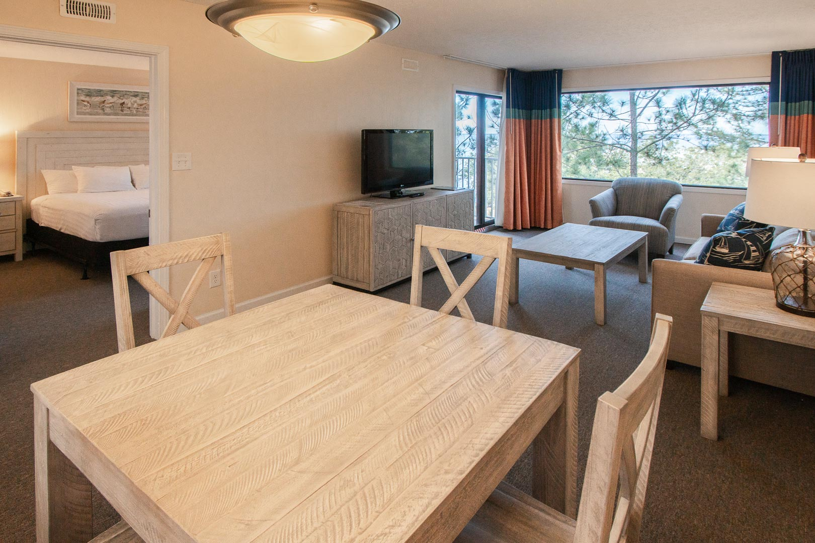 An expansive one bedroom unit at VRI's Bay Club of Sandestin in Florida.