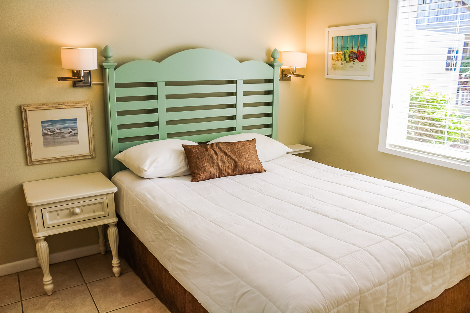 A quaint bedroom at VRI's Berkshire by the Sea in Florida.