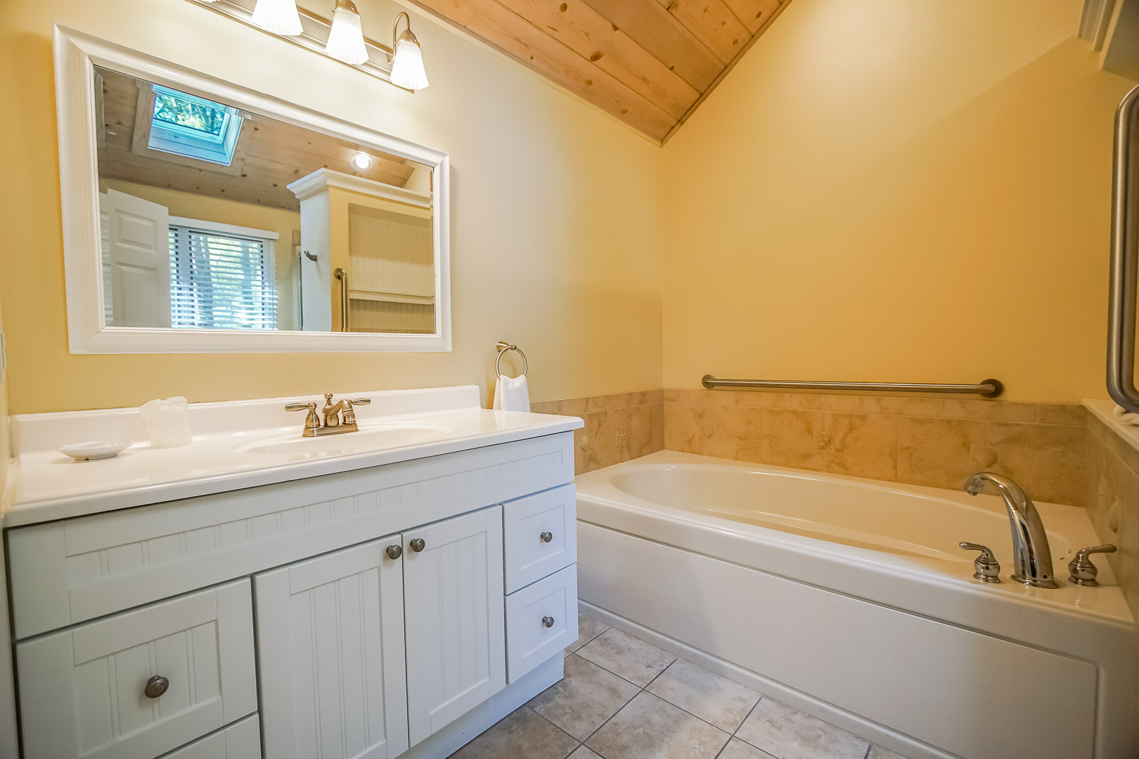 A spacious full size bathroom at VRI's Cape Cod Holiday Estates in Massachusetts.