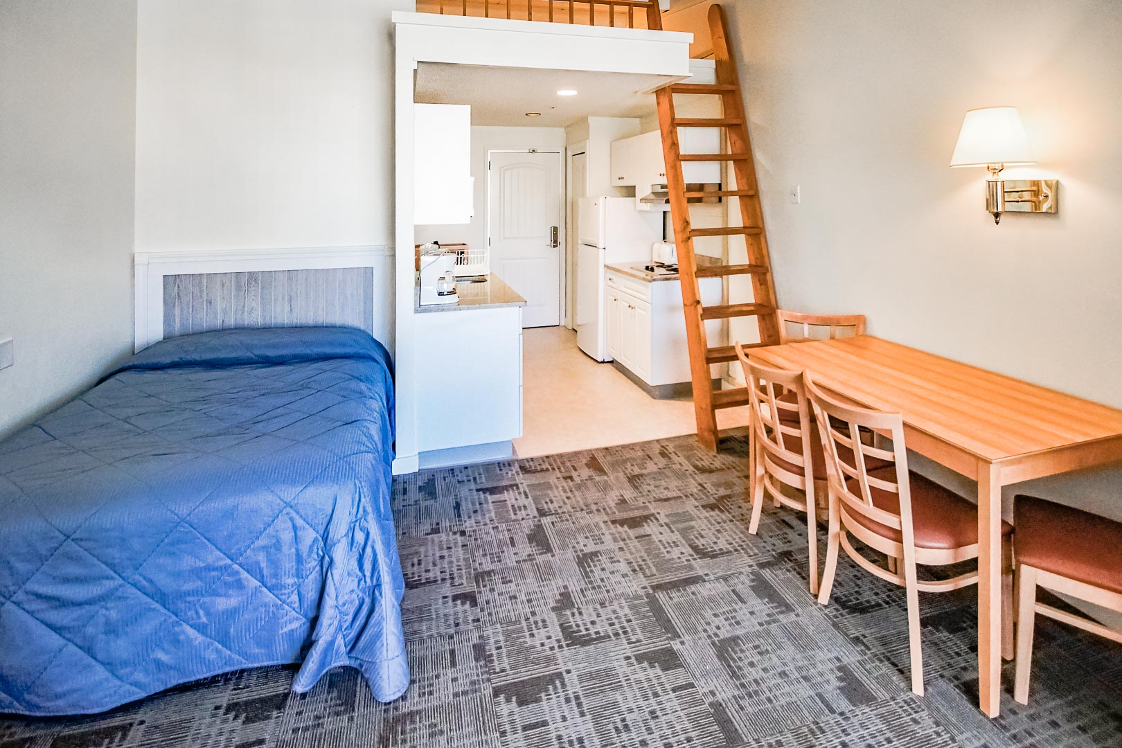 A traditional One bedroom loft at VRI's Courtyard Resort in Massachusetts.