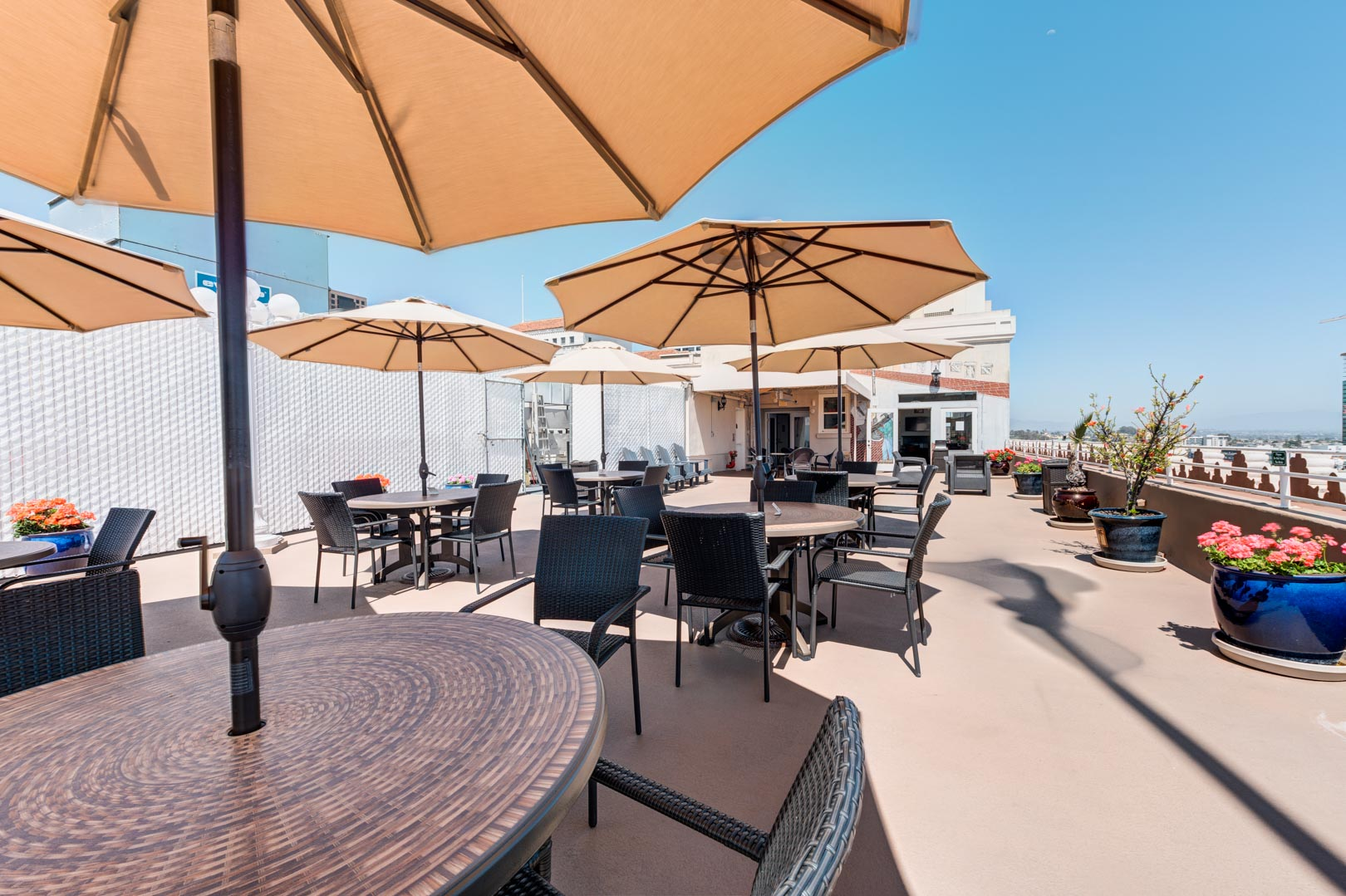 A rooftop patio deck at VRI's Gaslamp Plaza Suites in San Diego, California.