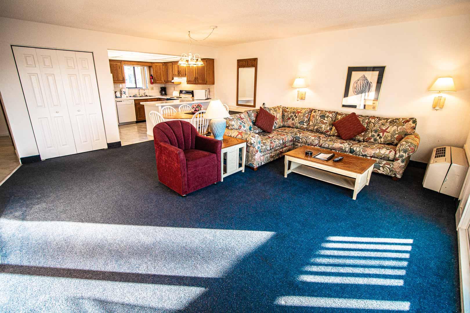 A cozy living room area at VRI's Harbourside II in New Bern, North Carolina.