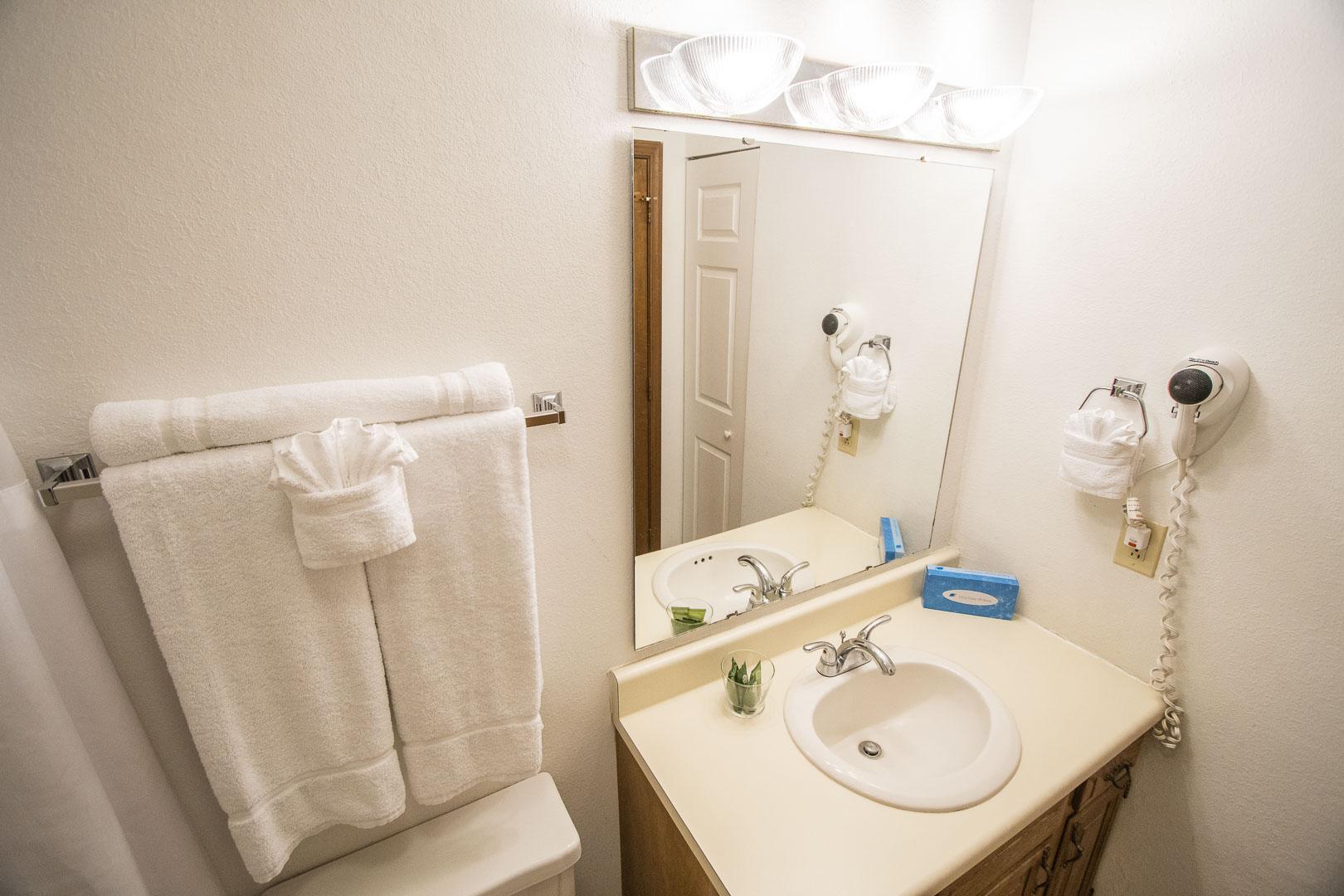 A crisp bathroom at VRI's Harbourside II in New Bern, North Carolina.