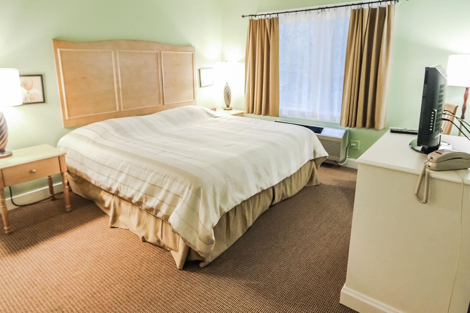 A quaint 1 bedroom unit at VRI's Holly Tree Resort in Massachusetts.