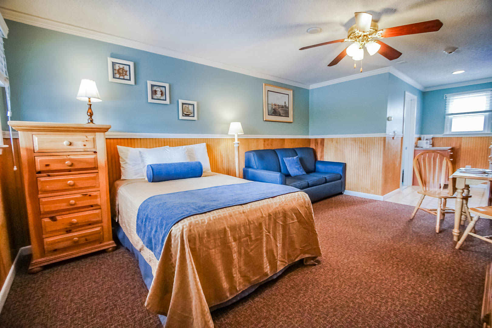 A cozy studio unit at VRI's Island Manor Resort in Rhode Island.