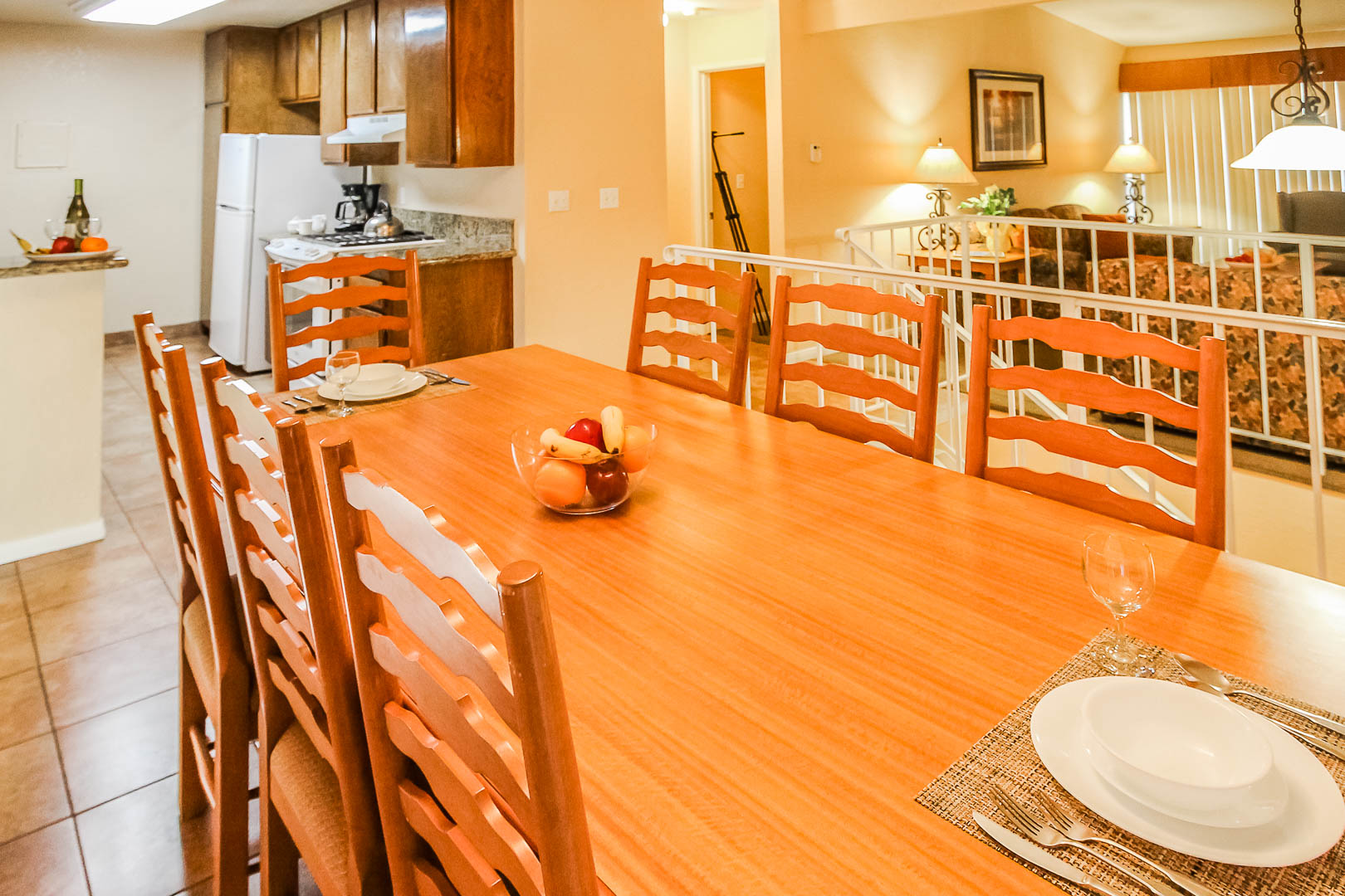 A charming dining room area at VRI's Lake Arrowhead Chalets in California.