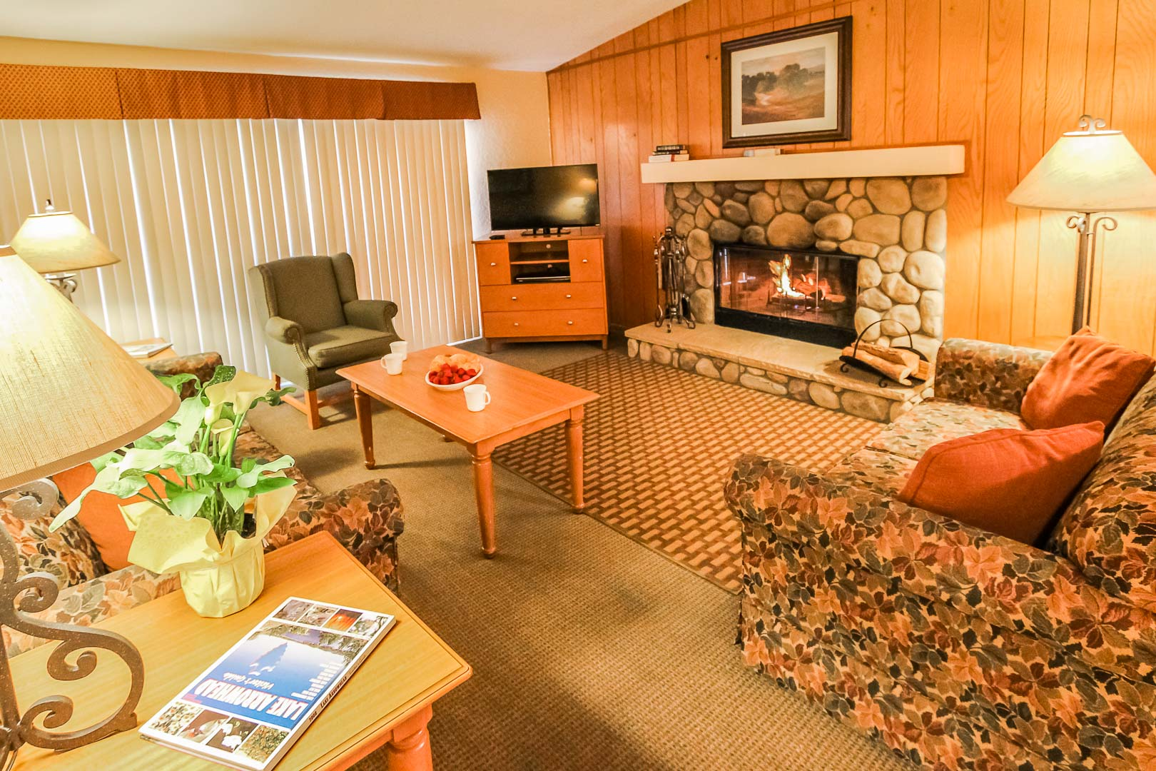 A charming living room area at VRI's Lake Arrowhead Chalets in California.