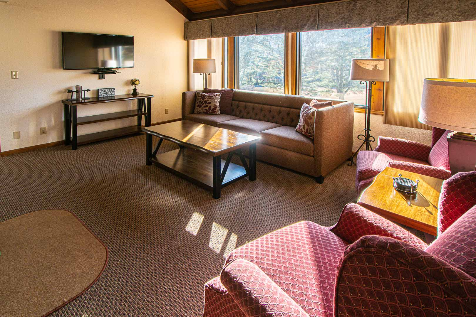 A spacious living room area at VRI's Mountain Loft Resort in North Carolina.