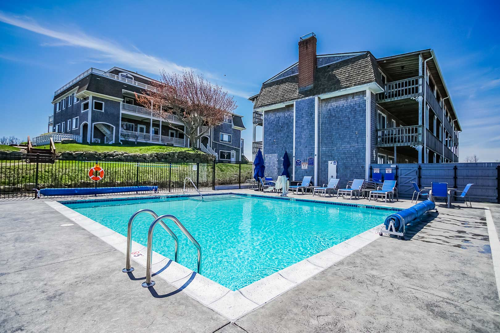 A crisp swimming pool at VRI's Neptune House Resort in Rhode Island.