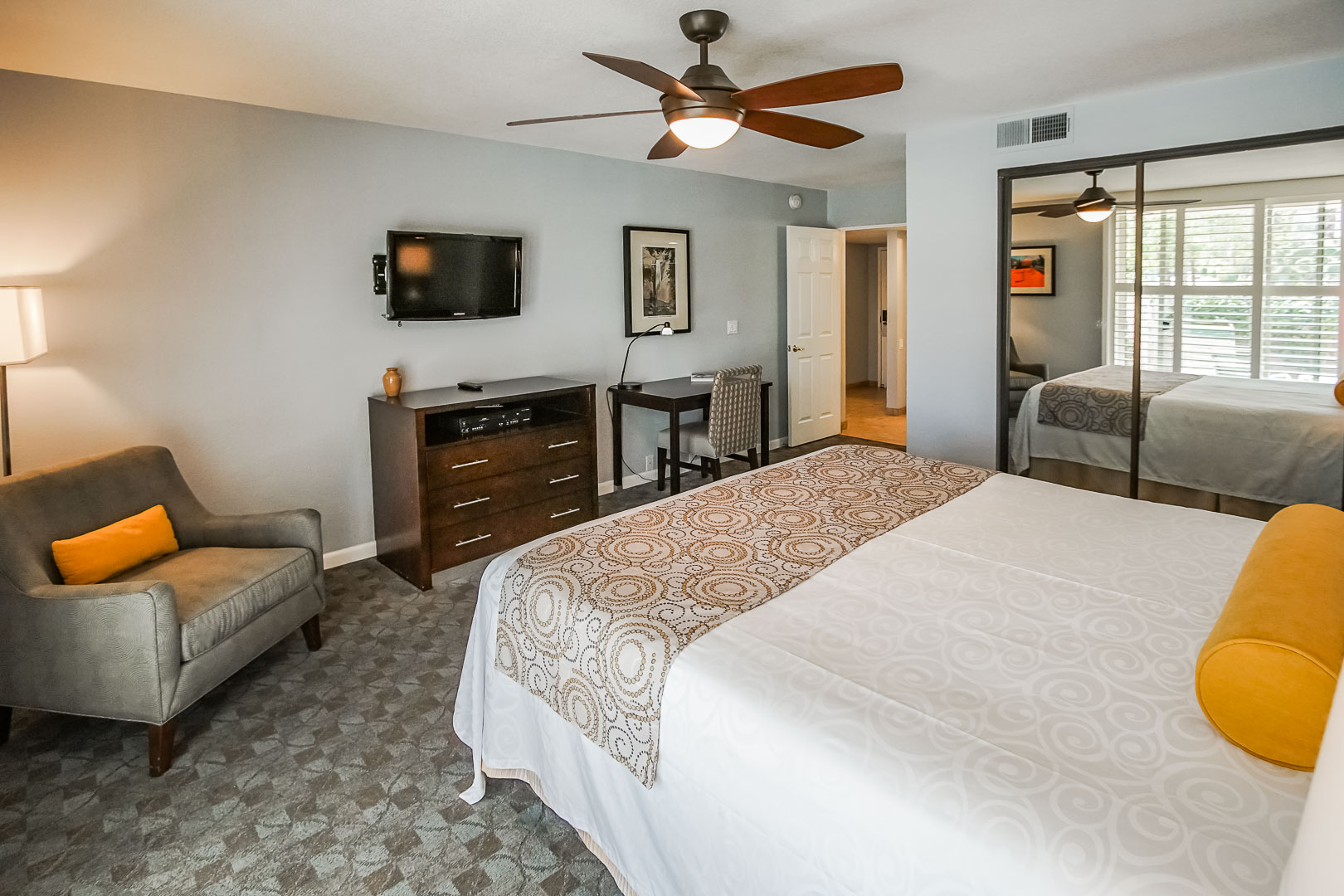 An expansive master bedroom at VRI's Palm Springs Tennis Club in California.