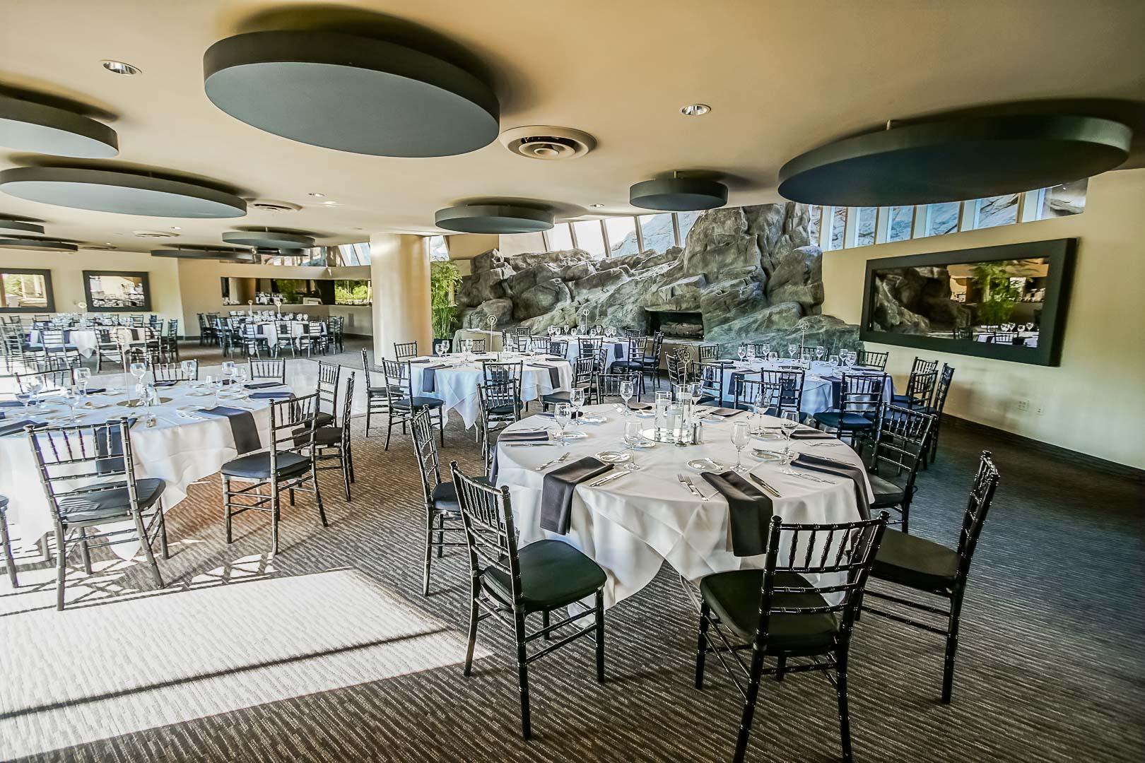 An inviting resort restaurant at VRI's Palm Springs Tennis Club in California.