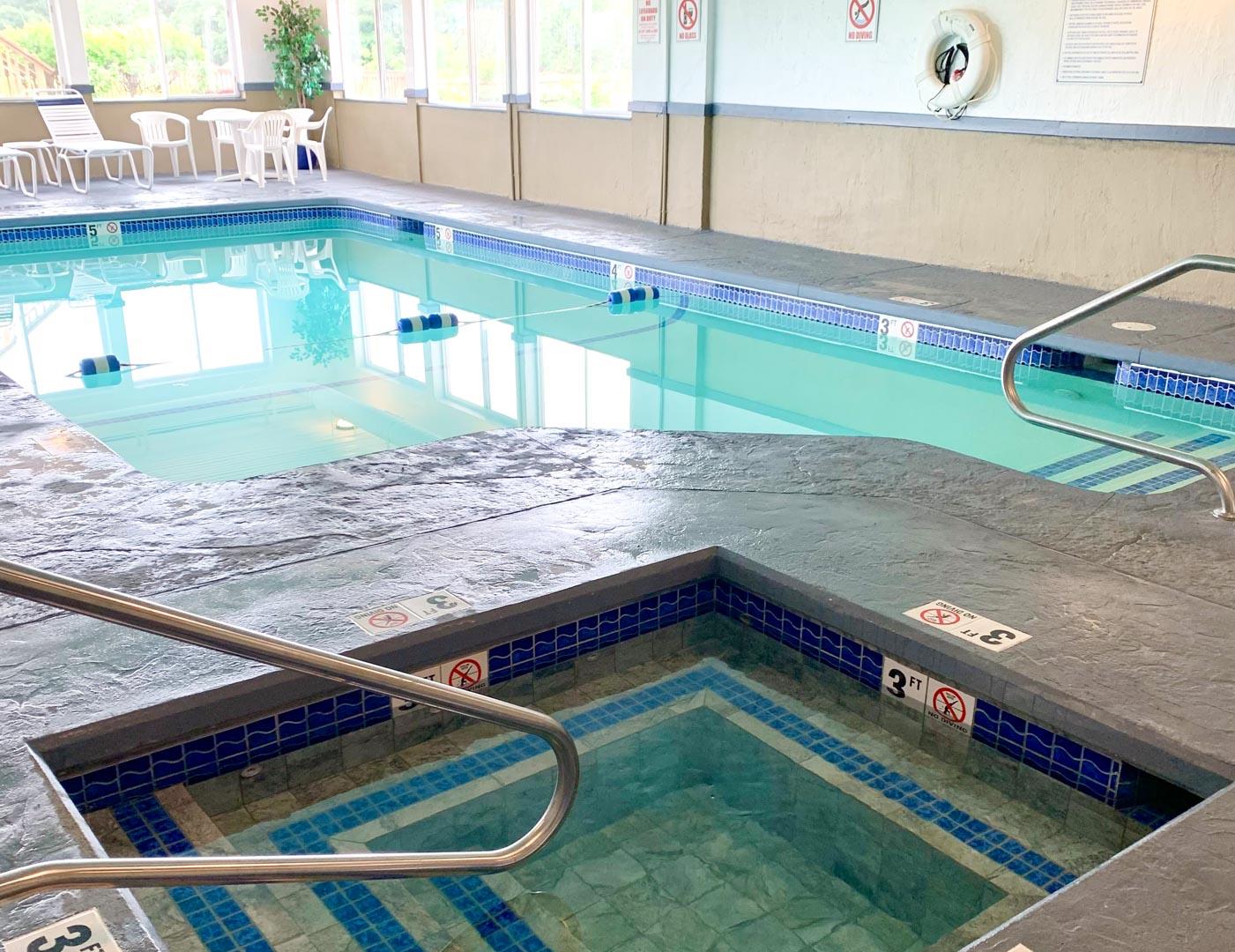 Riverview Resort - Resort Amenities - Indoor Pool