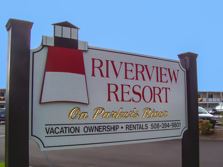 Riverview Resort - Resort Amenities - Playground