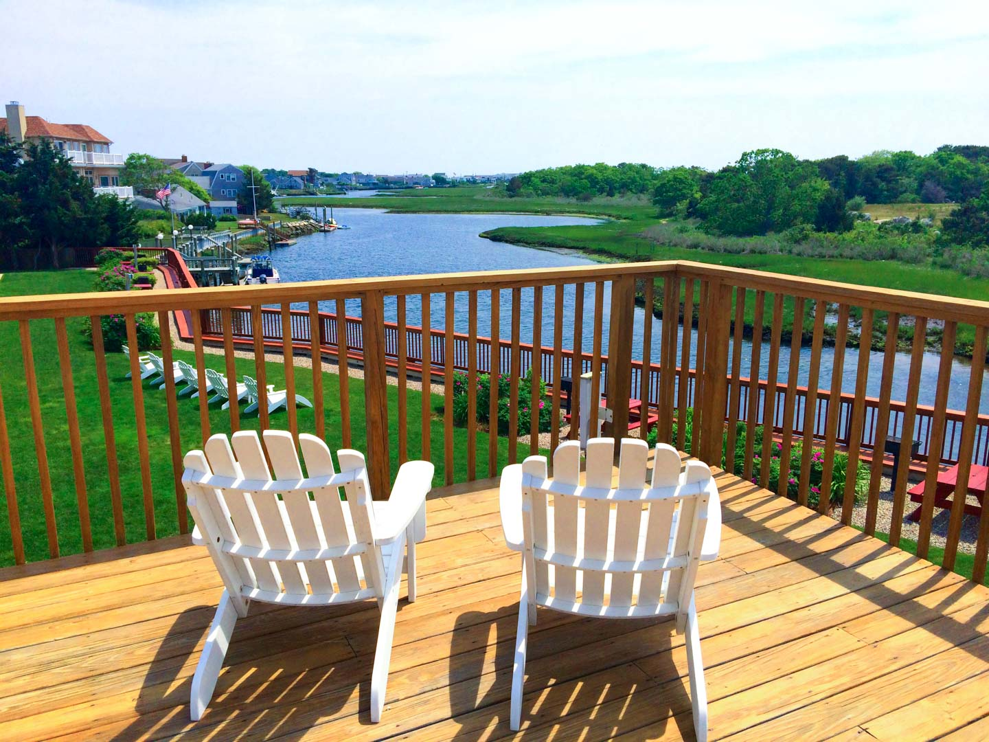 A cozy lounging area at VRI's Riverview Resort in Massachusetts.