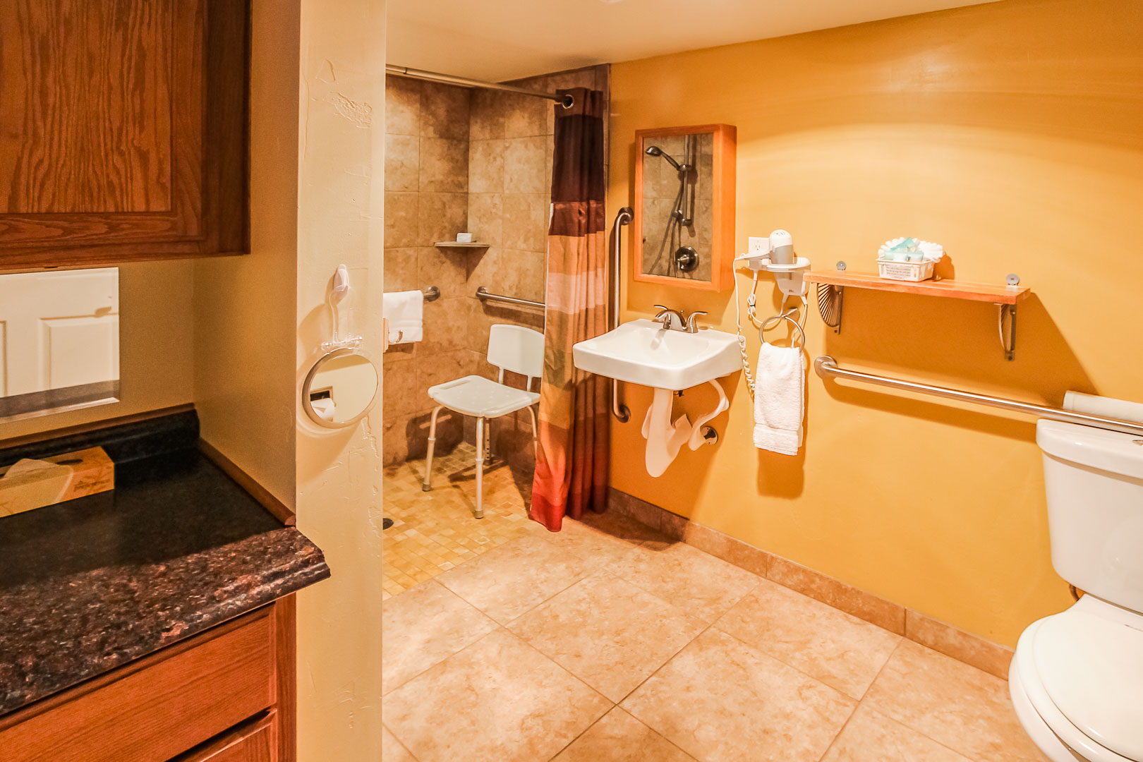 A clean bathroom at VRI's Roundhouse Resort in Pinetop, Arizona.