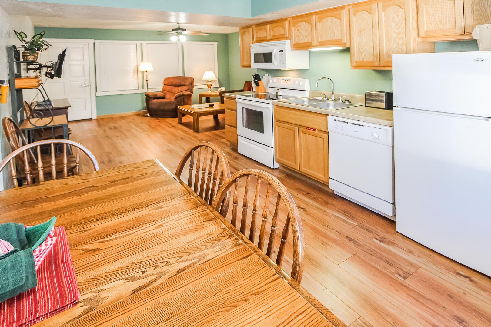 A spacious kitchen at VRI's Roundhouse Resort in Pinetop, Arizona.
