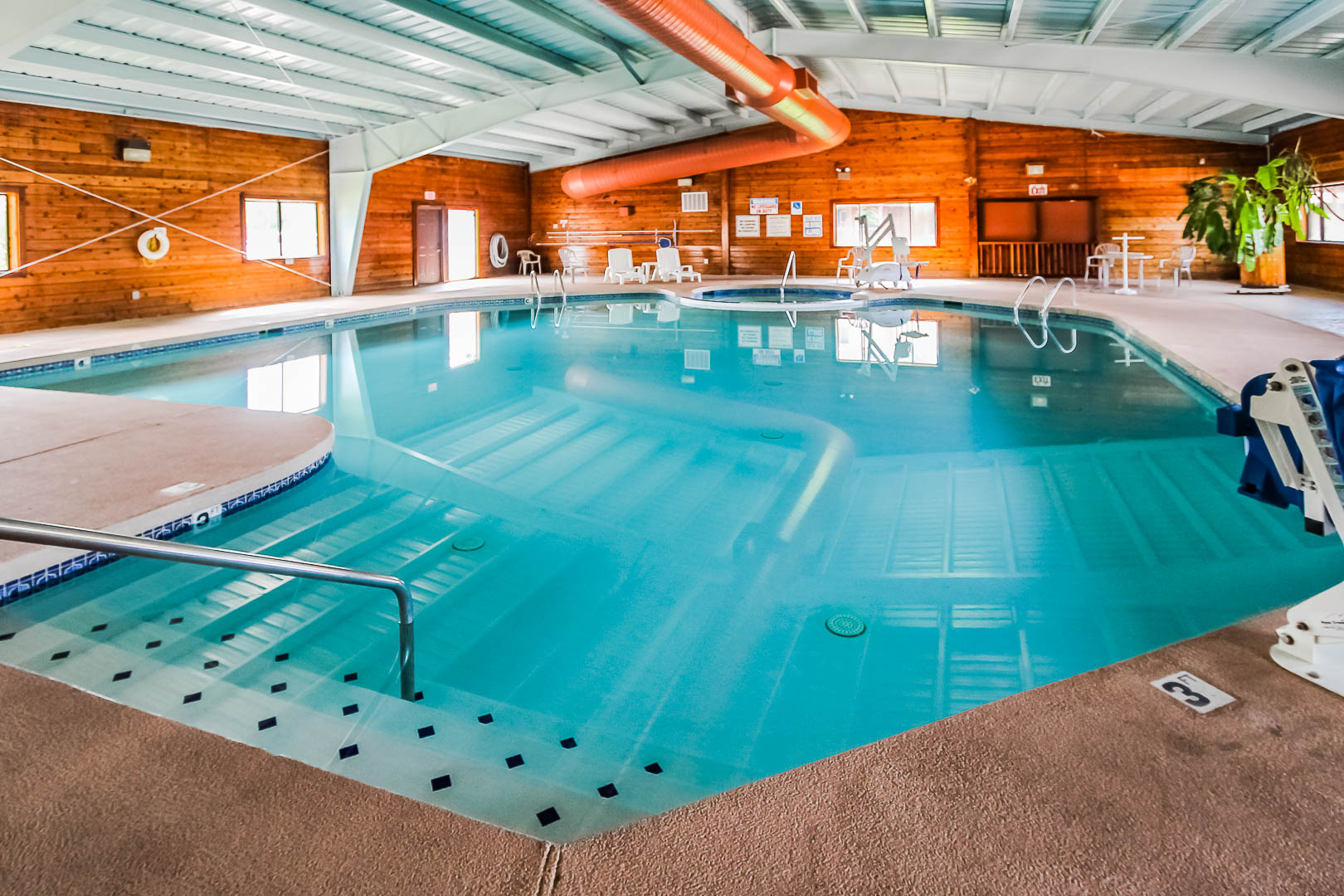 A clean indoor swimming pool at VRI's Roundhouse Resort in Pinetop, Arizona.
