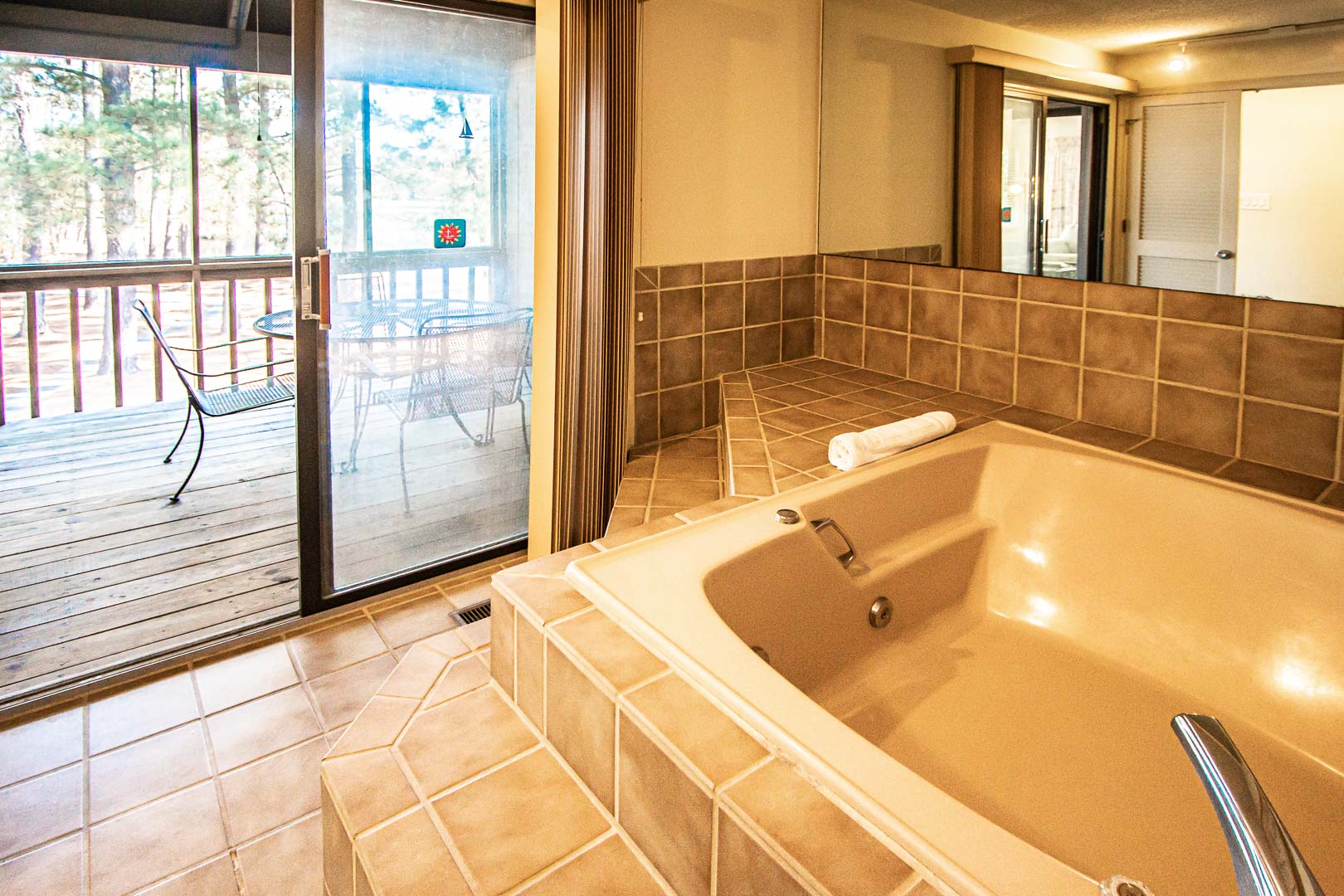 A relaxing Jacuzzi tub in the units at VRI's Sandcastle Cove in New Bern, North Carolina.