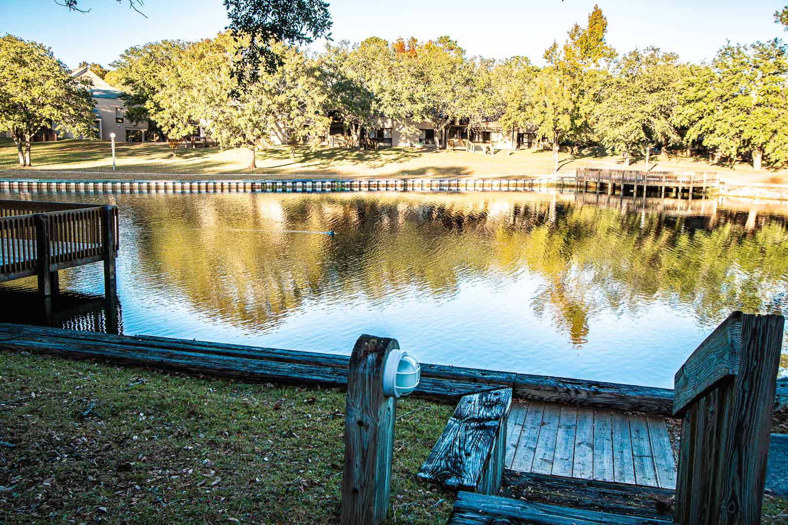 A peaceful view of the lake at VRI's Waterwood Townhomes in New Bern, North Carolina.